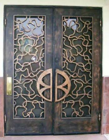Заказать металлические двери в Краснозаводске от производителя