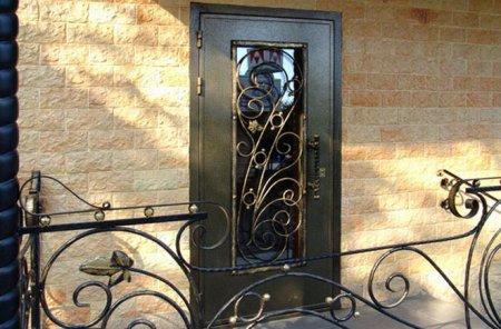 На заказ входные металлические двери в Серпухове